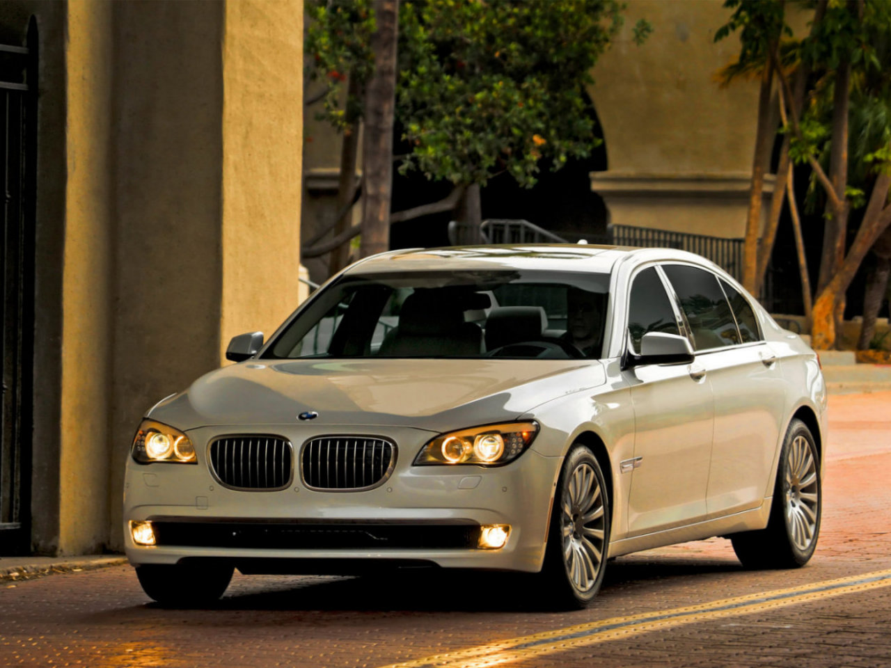 BMW_7 Series Long_Sedan_2008