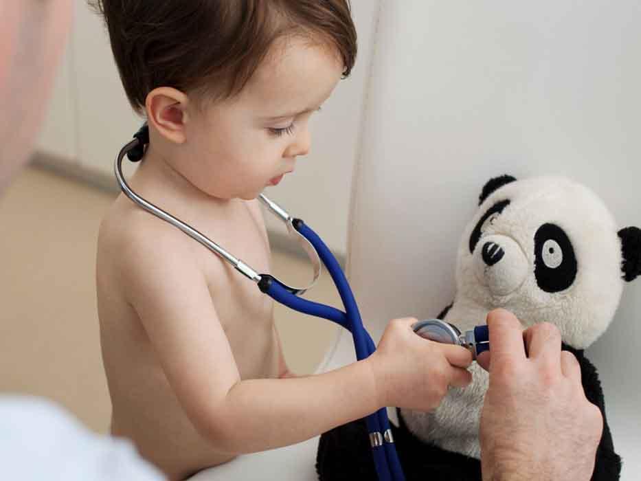 Как помочь ребенку не бояться врачей6