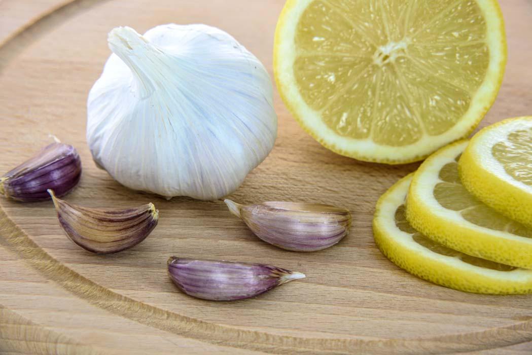Для здоровых десен – лимон и чеснок